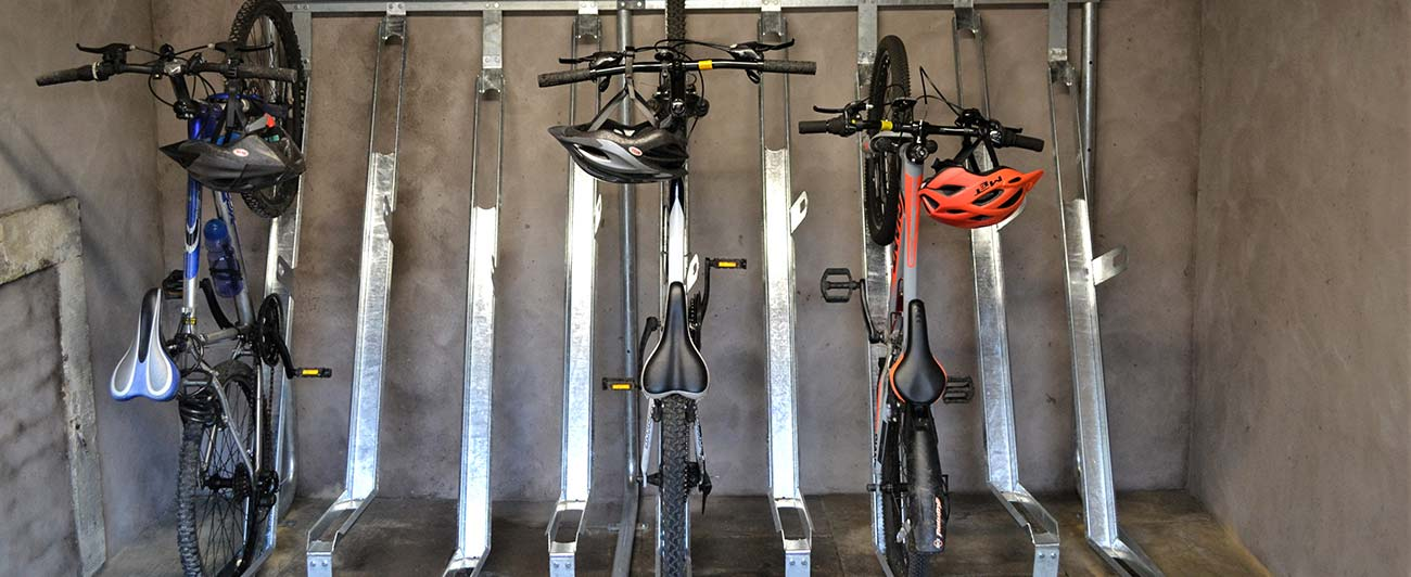 Cycling storage with 3 bikes in bike rack