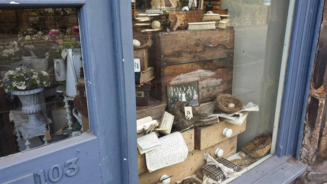 Independent shop window in Matlock