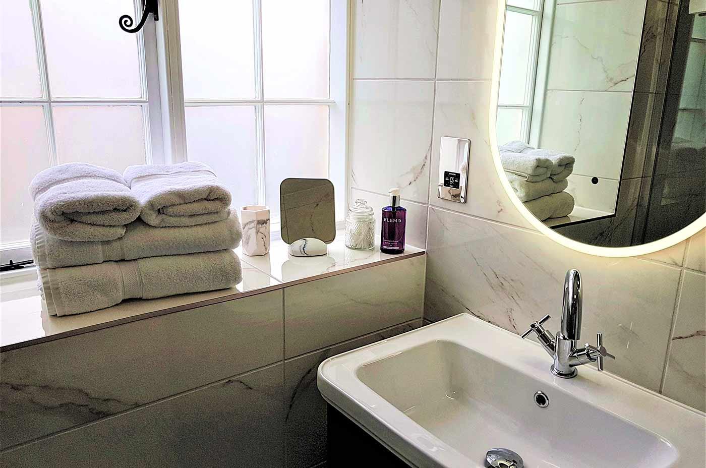 A bathroom at Derwent House in Derbyshire