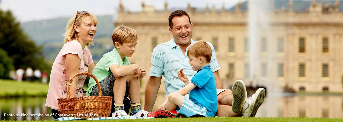 Family picnic at Chatsworth House